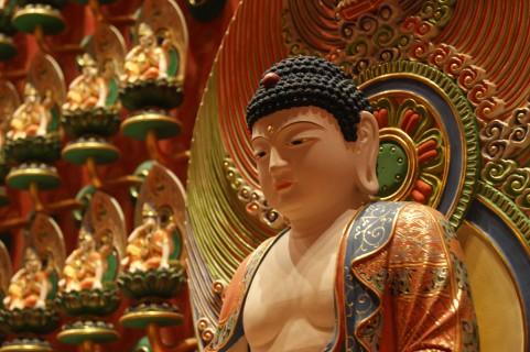 神仏の姿を騙るモノたち。