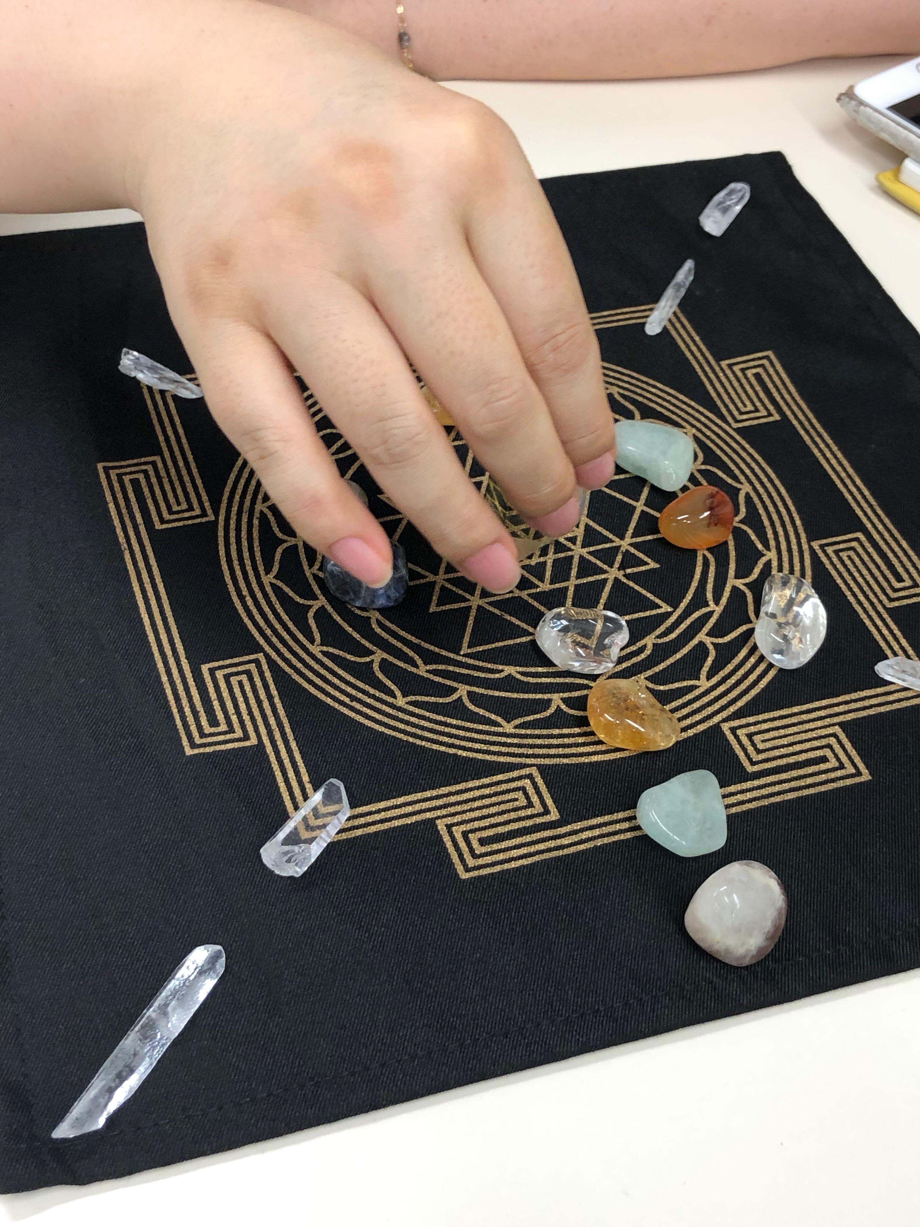 天然石で作る魔法陣!? クリスタルグリッド作成WS開催しました。